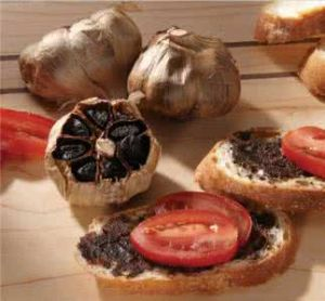 Chinese Organic Fermented Black Garlic with High Reputation pictures & photos