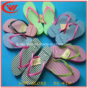Durable and Light Weight Flip Flops Slipper for Women pictures & photos