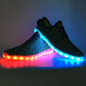 Men′s Women′s LED Shoes Slip-on Loafers Fashion Sneakers pictures & photos
