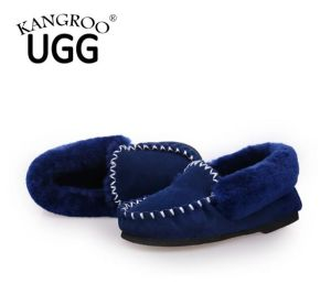 Classic Women Men Sheepskin Shoes Moccasin Slipper Blue pictures & photos