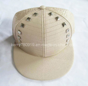 Fashional Popular Rivets Fitted Cap/Snapback Caps/Hip-Hop (DH-LH73017)