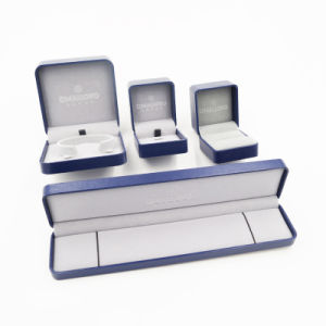 Exporter of Plastic Leatherette Paper Jewelry Box (J104-E) pictures & photos