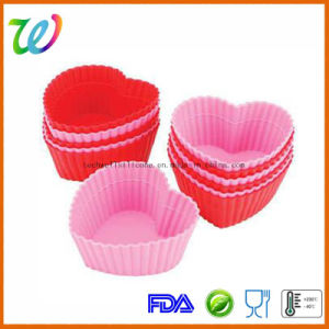 Factory Wholesale FDA Approved Silicone Heart Shaped Wedding Cupcake Cases pictures & photos