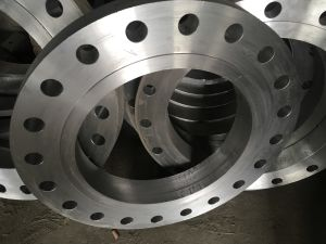 ASTM a-105, Dim. S/ANSI B16.5, Weld neck flange pictures & photos