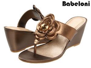0fa57cb67 China Flower Trim Fashion Lady Slipper Wedge Heel Slippers Shoes - China  Shoes, Woman Shoe