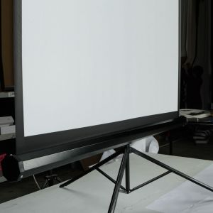 Floor Tripod Projector Screen Projection Screen Maufacturer in China pictures & photos