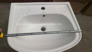 New Design Porcelain Bathroom Pedestal Washbasin pictures & photos