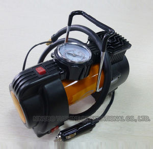 Powerful Metal Car Tyre Air Compressor with Lights pictures & photos