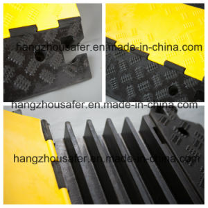 5 Channel Rubber Cable Protector (S-1135) pictures & photos