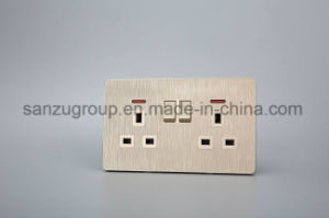 Hotel Double 13A Switched Socket Wall Socket pictures & photos