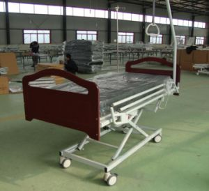 Three Functions Wood Electric Home Nursing Bed (XH-C-2) pictures & photos