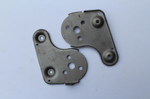 09custom Hardware Auto Metal Stamping Spare Parts pictures & photos
