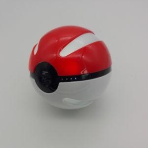 2017 Portable 8000&10000mAh Pokemon Go Poke Ball Power Bank Charger pictures & photos