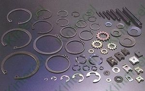 DIN472 Retaining Rings for Bores (internal) , Circlips pictures & photos