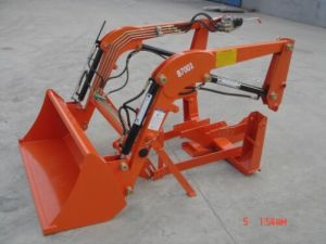 Tractor Backhoe Loader Digger /Tractor Rear Loader (RC100) pictures & photos
