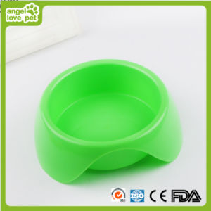 Three-Cornered Colorized Plastic Dog and Cat Bowl (HN-PB867) pictures & photos