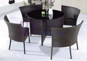 Simple Modern Black Metal PE Rattan Furniture with Round Table