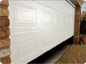 Sectional Garage Door in European Standard pictures & photos