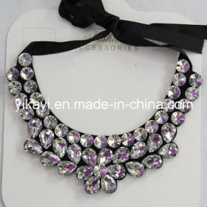 Lady Fashion Charm Glass Crystal Pendant Collar Necklace Jewelry (JE0213) pictures & photos
