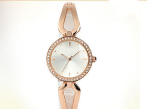 Quartz Movement Water Resistant Lady Brecelet Watch