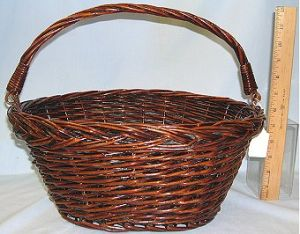 Willow Basket W/Folding Handle