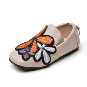 Chinese Famous Embroidered Shoes Flower Decoration PU Leather Soft Bottom Gilrs′ Casual Shoes pictures & photos