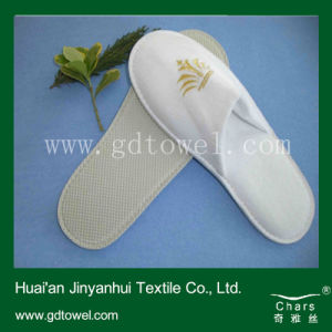 Custom Made 5 Star Hotel Slippers Disposable Velour Towel Slippers with Embroidery Logo