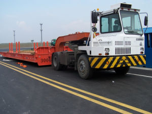 Sinotruck A7 HOWO Tractor Truck Head Slow Speed for Port Application Trailer pictures & photos