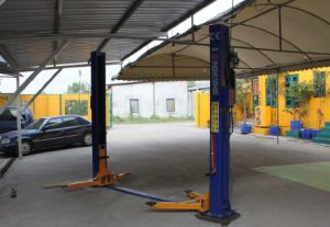 Hydraulic Electrical Two Post Floor Plate Car Lift (DTPF608E)