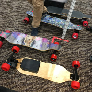 High Quality Electric Four Wheelselectric Skateboard