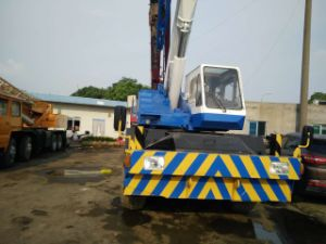 Used Japan Tadano 25tons Rough Terrain Crane for Sale pictures & photos