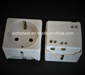 Italian Standard PC Materia Good Sell 2pin Schuko Socket pictures & photos