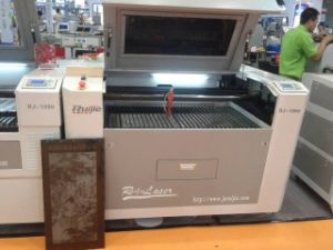 CO2 Laser Cutting Machine Rj1060 pictures & photos