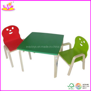 2013 New kid wooden desk and chair with smile face (W08G068) pictures & photos