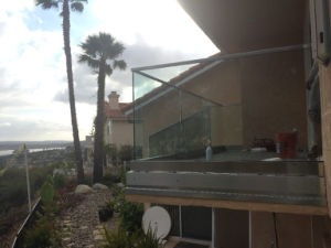 Frameless Glass U Channel Railing U Profile Balustrade pictures & photos