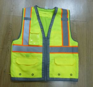 100% Polyester 300d Oxford Fabric in Front, Back with 120+-6g Mesh Fabric Safety Vest pictures & photos