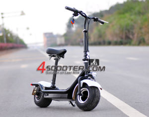 2017 Christmas Git Foldable Mobility Scooter pictures & photos