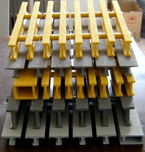 Pultruded FRP/GRP Grating, Walkway Grating with Anti-Slip pictures & photos