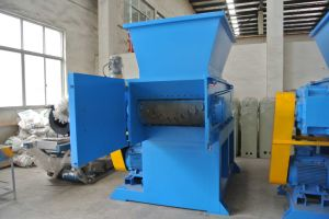 High Quality Single Shaft Shredder in China pictures & photos