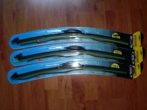 Wiper Blade with Nozzal for Iran Market pictures & photos