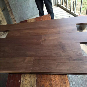 China Factory Price Uv Coating American Walnut Solid Wood Flooring
