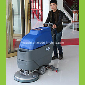 Commercial Airport Floor Cleaning Scrubber Dryer pictures & photos