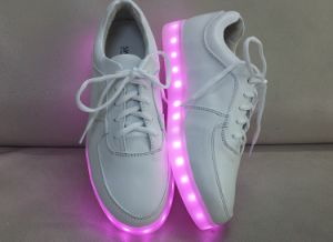 Children Shoes with LED Light USB Charge Genuine Leather Flat Sneakers Shoes (xzl-2368) pictures & photos