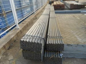 Q235 Mild Metal Angle Steel pictures & photos
