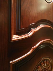 Good Quality Solid Wood Interior Door with Carving for Villa or Apartment (DS-8036) pictures & photos