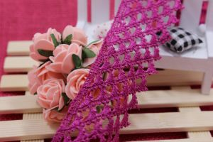 High Quality Stock Wholesale Triangle Door Shape 5cm Width Embroidery Lace Terylene/Polyester Lace for Garments Accessory & Curtains & Home Textiles Decorations