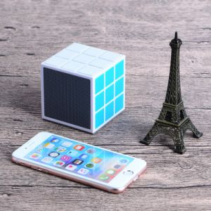 Factory Customized Newest 36 LED Light Rubik′s Cube Best Bluetooth Speaker 2017 (OITA-6625A)