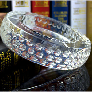 Wholesale Round Glass Crystal Cigar Ashtray for Home Decoration pictures & photos