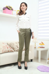 Ladies Knitted Pants 1 pictures & photos