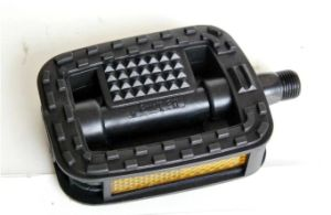 Classical Black Skidproof Bicycle Pedal pictures & photos